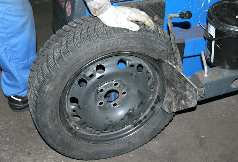 Unsere Leistungen - Reifen-Service